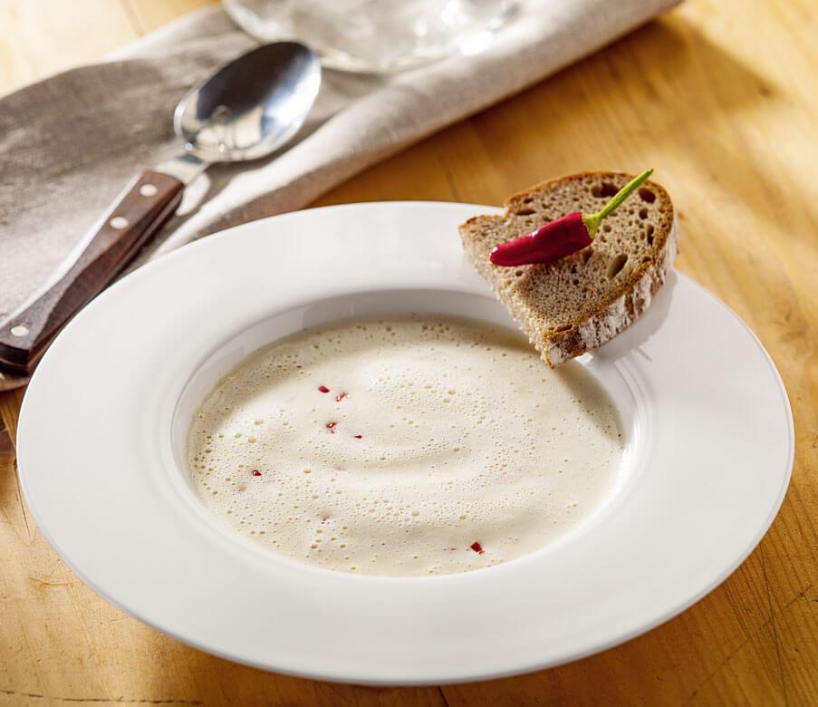 Ingwer-Chili-Käsesuppe