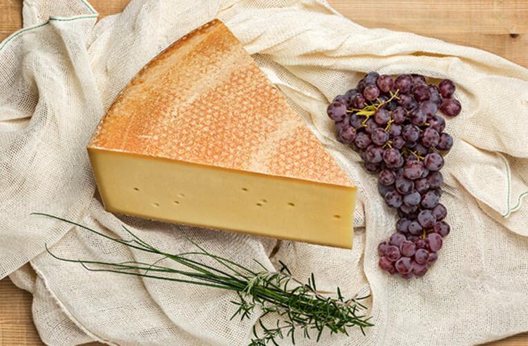 F.M. Felder Bergkäse, ab 10 Monate gereifte Käsespezialität