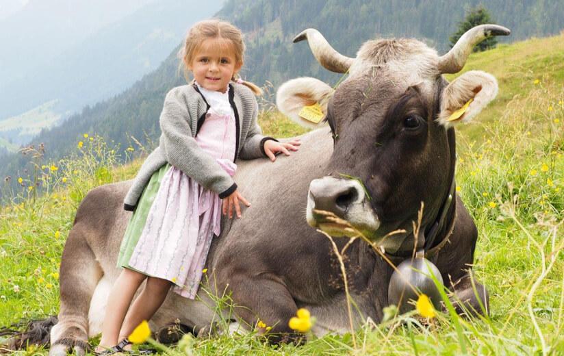 Kinder_am_Bauernhof
