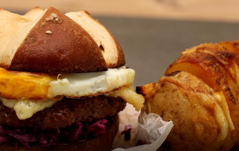 Auf den Grill: Der Heumilch-Alpen-Burger
