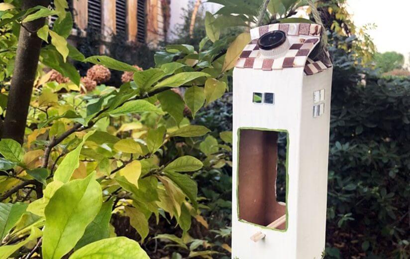 Upcycling: So bastelst du ein Vogelhaus aus dem Heumilch-Karton
