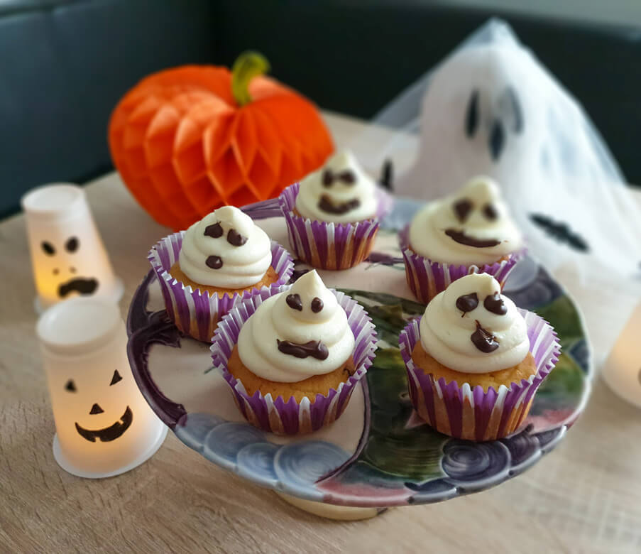 Heumilch-Gespenster-Cupcakes zu Halloween