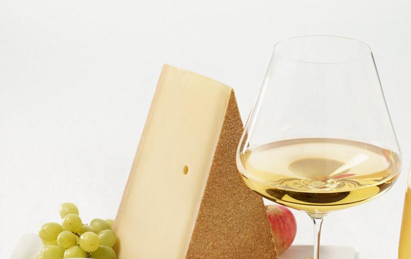 Wein mit Heumilch-Käse: Ein Klassiker wird niemals alt