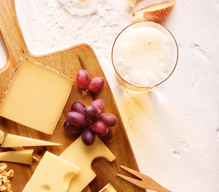 Eine prickelnde Kombination: Heumilch-Käse und Bier